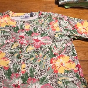 Paradise Valley women's button down T-shirt